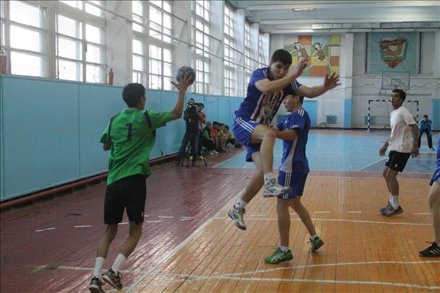 Тренировка гандболистов, после пятого тура чемпионата Казахстана