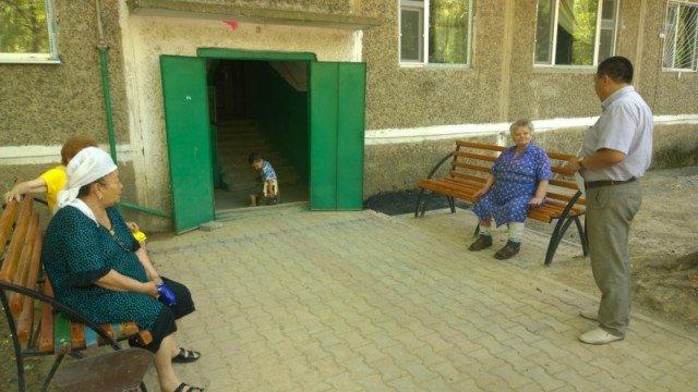 У пенсионерок теперь есть новые скамейки