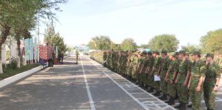 300 бойцов были уволены в запас