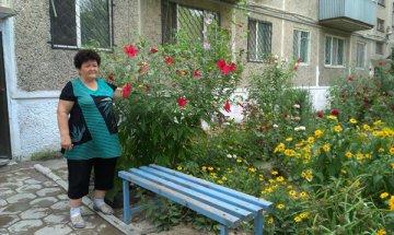 Двор дома №10 по улице Молдагуловой