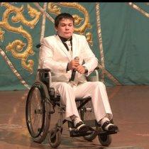 мальчик на коляске