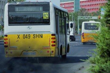 В городе насчитывается 217 тысяч транспортных средств, из них всего 1500 приходится на общественный транспорт