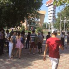 «МегаЦентр» оцепили силовики, перекрыты центральные улицы Шымкента