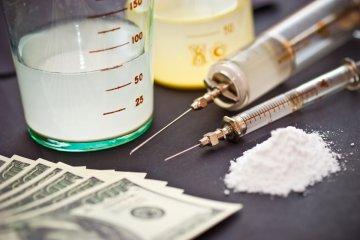 Наркологи говорят - заместительная терапия не панацея, а всего лишь замена наркотика на медицинский препарат