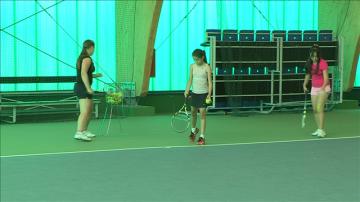 В Шымкенте набирают маленьких детей в секцию большого тенниса
