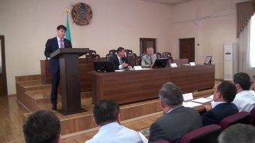 Аким Шымкента отчитался перед депутатами городского маслихата