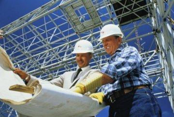 строители, инженеры