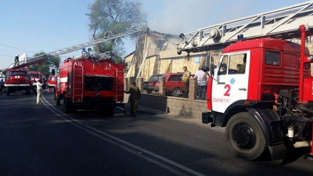 На место возгорания пожарные прибыли через 4 минуты