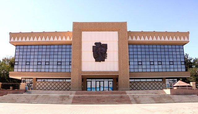 Подрядчики обещают, что старое здания театра ни в чем не будет уступать новому