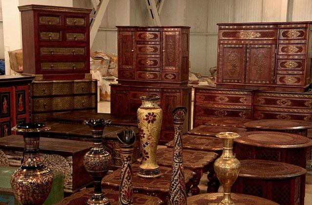 Горожанам представляют изделия из дерева. Мебель - ручная работа