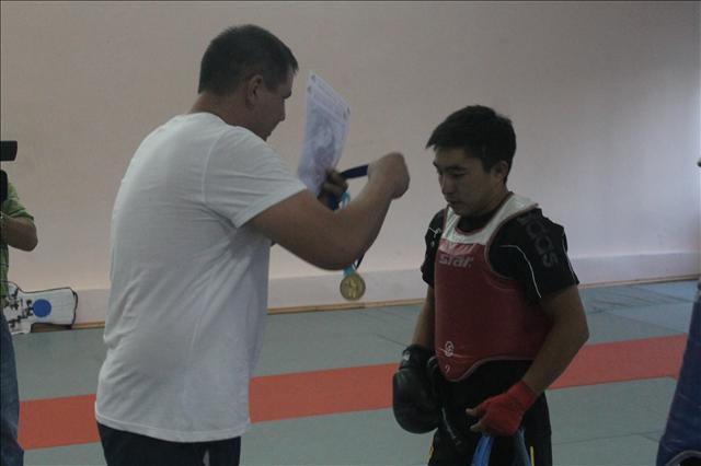 В конечном итоге Нурбек Атамбеков завоевывает золотую медаль