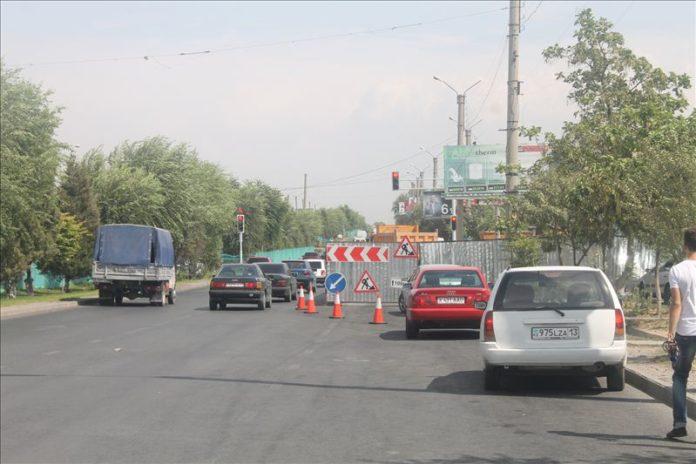 В Шымкенте строится новый надземный переход