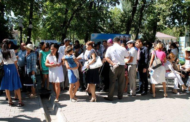 На шымкентскую ярмарку вакансий приехали люди даже из отдаленных аулов ЮКО