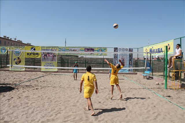 В Шымкенте прошли игры по пляжному волейболу на Кубок РК