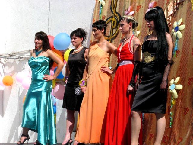 Все претендентки на корону - осуждённые из шымкентской женской колонии