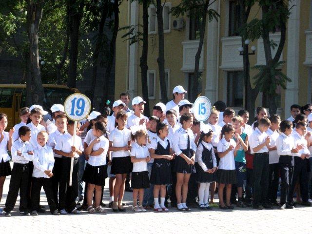 В Шымкенте стартовала акция «Дорога в школу»