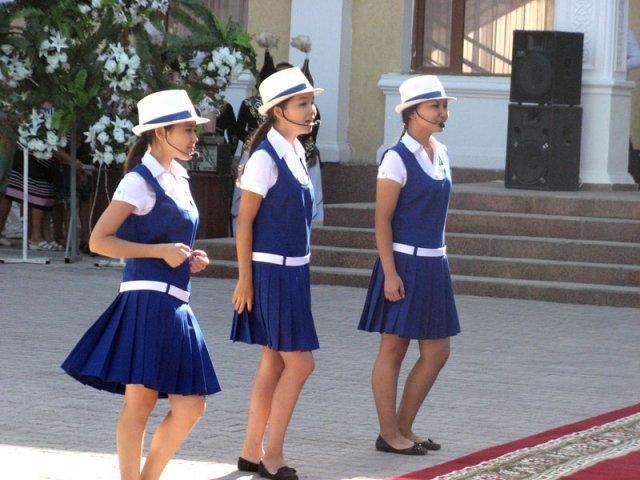 В знак благодарности дети приготовили концерт