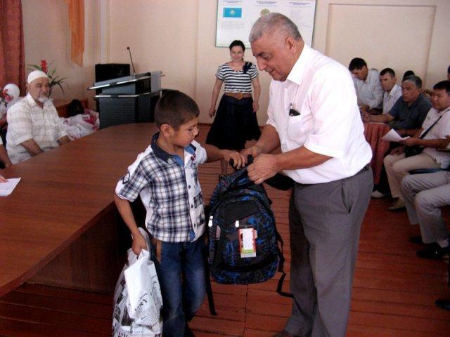 Едгар Куршидов признается, что не ожидал, получить столько подарков сразу