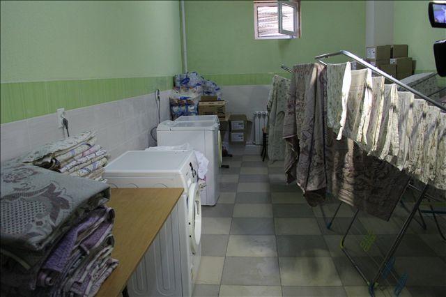 Вещи студентов стирают и гладят в прачечной бесплатно, жильцы платят только за порошок 100 тенге