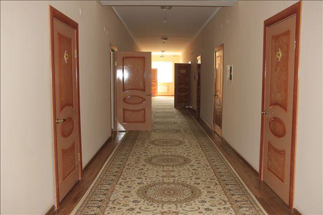 В 19 спальных комнатах живут от 2 до 6 человек