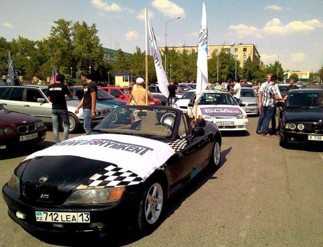 Парад авто и мото клубов начался с площади Аль-Фараби