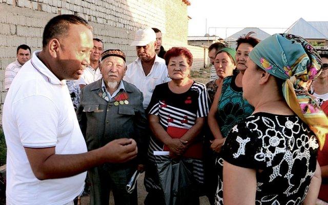 Жители мкр.Кайтпас просят чиновников решить их проблему с электричеством