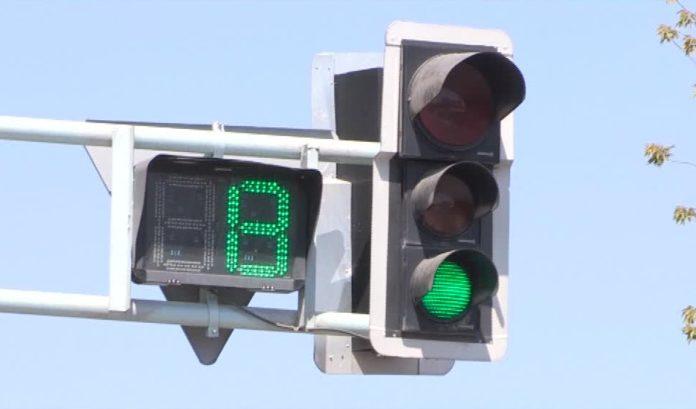 Такой светофор стоит от 8 до 9 миллионов тенге, а электронное табло 300 тысяч тенге