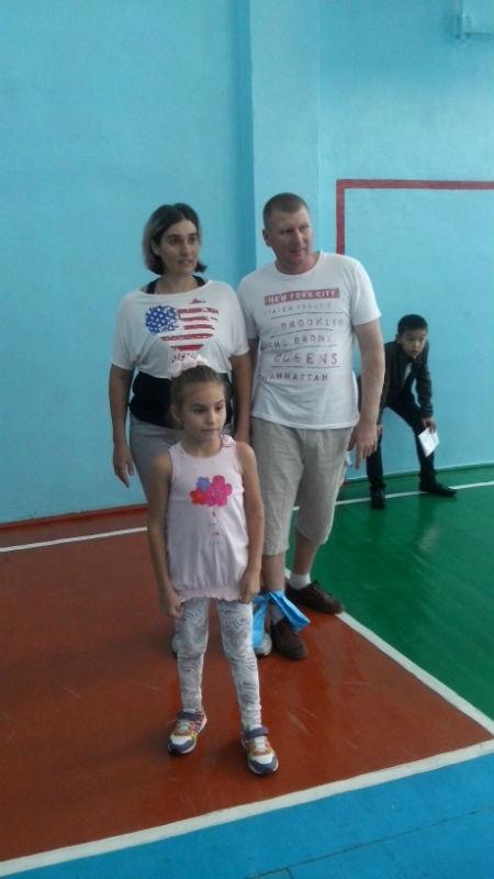 Для семьи Дутбаевых, самым сложным испытанием оказался бег с завязанными ногами