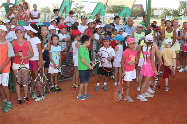 Дети внимательно слушали советы именитой спортсменки РК