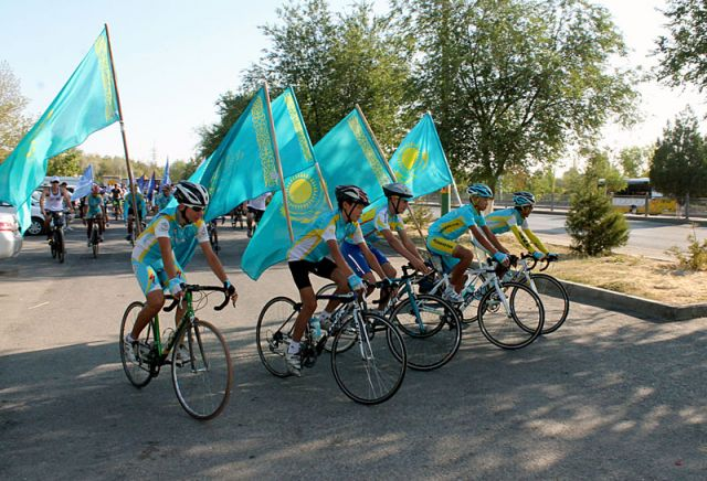 После общего сбора участники велопарада отправляются в путь
