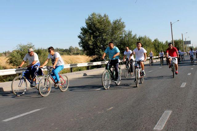 Велосипедисты преодолевали восьми километровый маршрут
