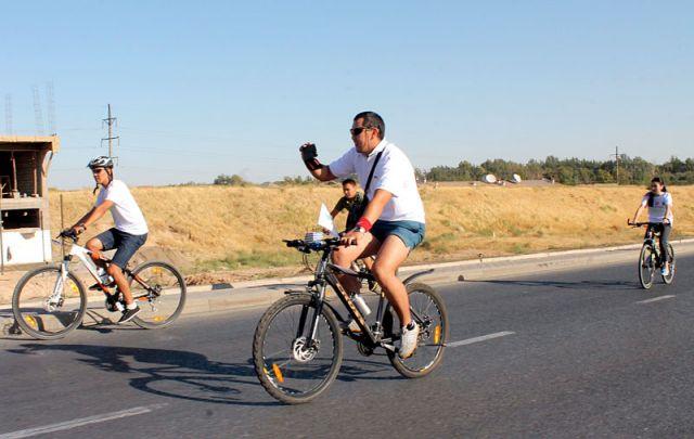 Велопарад, люди снимали на свои смартфоны