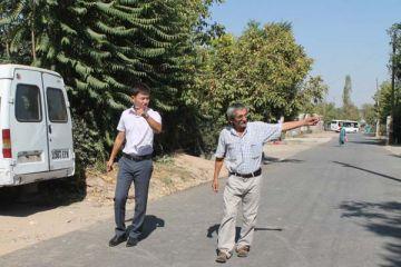 Квартком вместе с куратором микрорайона Нуржигитом Турсынбаем обсуждают благоустроительные планы акимата в отношении «Забадама»