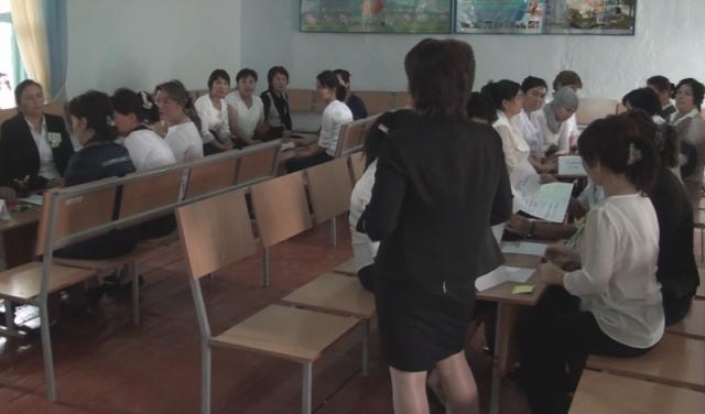 Каждую неделю педагоги посещают тренинги - коучинги, где повышают уровень своих знаний