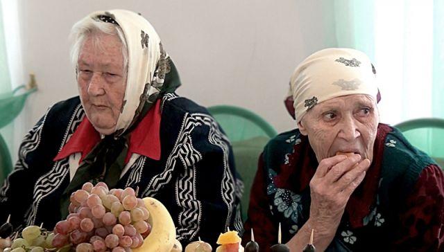 Предприниматель из Туркестана выделил для дома престарелых и инвалидов 6,8 миллионов тенге