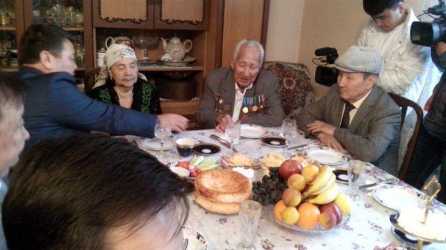 Визит нежданных гостей очень обрадовал Алтыбая Бабаева