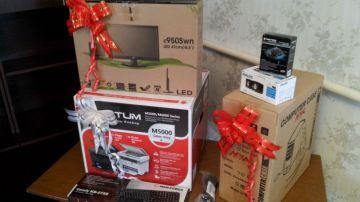 В подарок Жуманали Сыздыкову акимат подарил специализированный компьютер