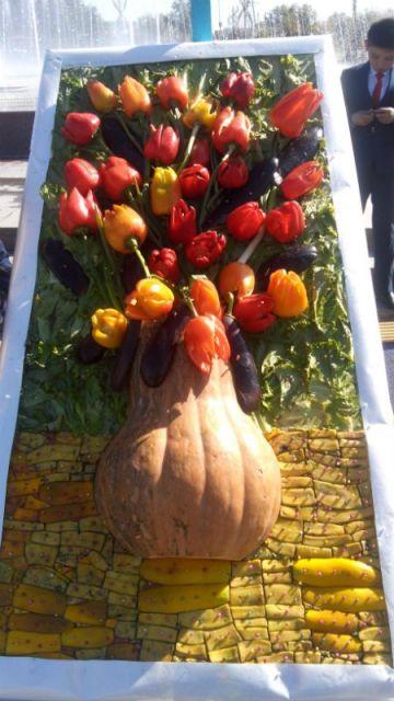Тюльпаны из болгарского перца выглядели очень убедительно