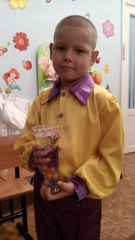 Она развивает познавательные процессы и творческий потенциал ребенка, а так же, тренирует мелкую моторику рук
