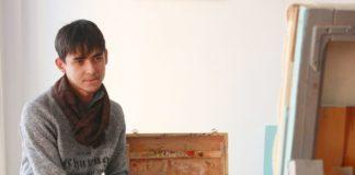 """Дамир Касьянов, художник: """"Для меня, это очень важная выставка. Я был единственным художником с Южного Казахстана. Мои работы оценил сам президент Татарстана, который так же прилетел на выставку""""."""