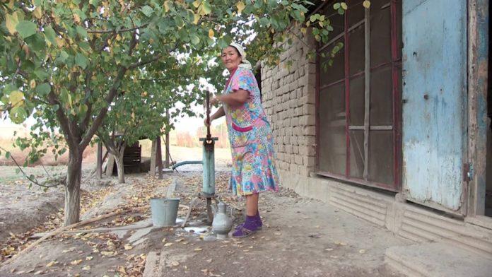 Жители села Казахстан Сарыагашского района до сих пор вынуждены пить грязную воду