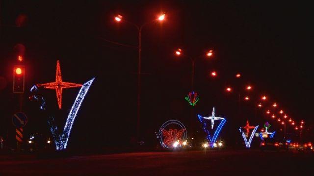 Специально к новогоднему празднику в Шымкенте установили 170 малых архитектурных форм