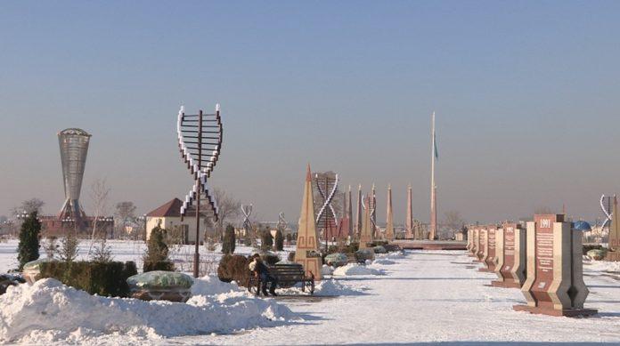 Уникальный парковый комплекс, построенный в 2011 году стал одной из главных визитных карточек Шымкента