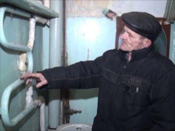 В высотных домах микрорайона Нурсат полопались отопительные трубы
