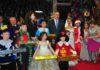 Каждый ребенок получил праздничный набор, куда вошел: ноутбук, книги, сладости и волшебные игрушки