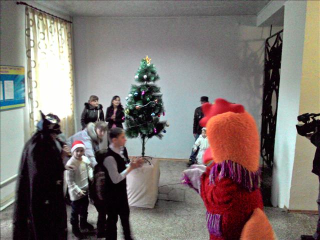 Новогодний праздник для детей пострадавших от взрыва газа устроили в Шымкенте