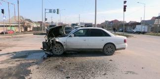 Авария с пострадавшими произошла на углу улиц Аргынбекова и Байтурсынова