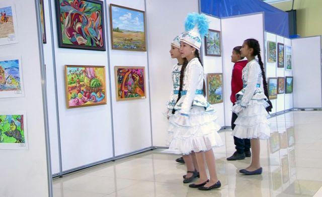 Дети из Шымкента рисуют мир
