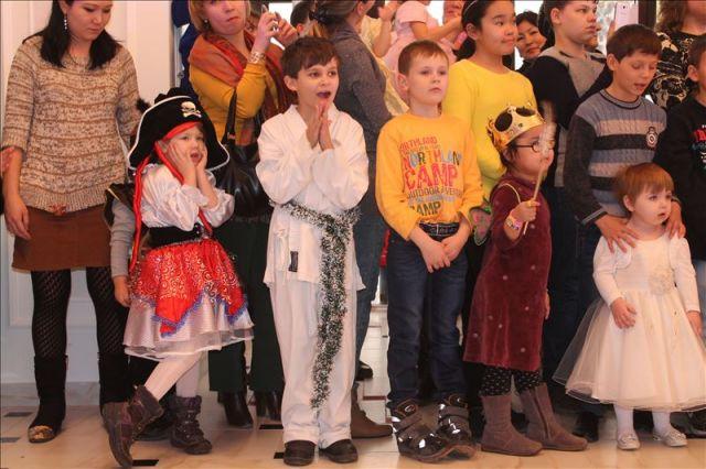 Малыши переживали вместе с героями представления