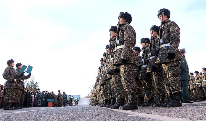 Более 400 казахстанских новобранцев приняли присягу в Шымкенте